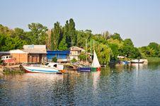 Free Boat Station Royalty Free Stock Photos - 20161358