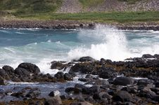 Free Wave Crashing - Giants Causeway Royalty Free Stock Image - 20167706
