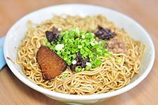 Free Dried Noodle In Dark Soy Sauce Stock Photos - 20169723