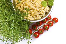 Free Fusilli Pasta With Thyme And Tomatoes Royalty Free Stock Photo - 20172695