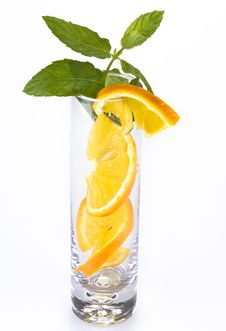 Free Slices Of Orange In The Glass Royalty Free Stock Photography - 20172817