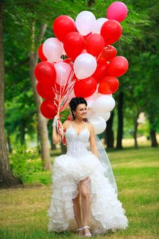 Free Bride With Balloon Royalty Free Stock Photography - 20176577