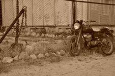 Free Old Motorbike Royalty Free Stock Image - 20182446