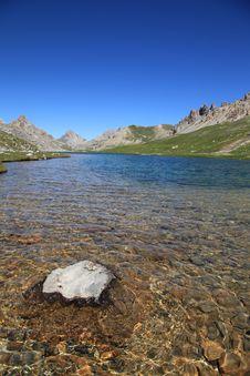 Free Mountain Lake Royalty Free Stock Images - 20182719