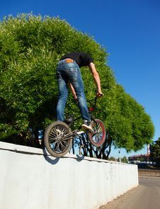 Free Boy Jumping From Wall On Bmx Stock Image - 20183741