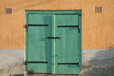 Free Green Wooden Door Royalty Free Stock Photography - 20184377