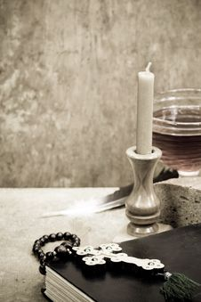 Free Holy Scriptures, Candle And Vine Stock Image - 20186691