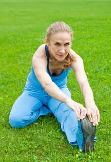 Free Woman Stretching Before Fitness Stock Photos - 20195063