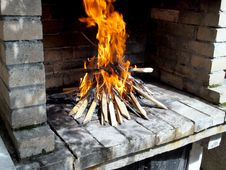 Free Wood Fire For Barbecue Royalty Free Stock Photography - 20198447