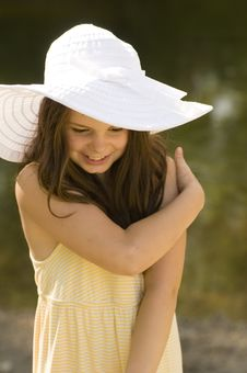 Free Girl In A White Bonnet Royalty Free Stock Photography - 20223157