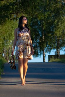 Free Beautiful Young Woman Walking In The Park Stock Photography - 20226242
