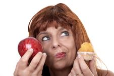 Free Woman With Apple Muffin Stock Photography - 20226962