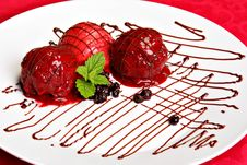 Free Berry Fruit Ice Cream Served On The White Plate Stock Photo - 20231760