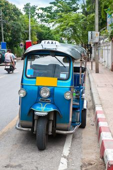 Free Thai Tuk Tuks Sit Parked Royalty Free Stock Images - 20235339