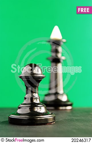 Free Chess Pieces, Pawn And A King Royalty Free Stock Photography - 20246317