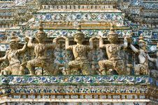 Free Guardian Statue (yak) At The Temple Wat Arun Royalty Free Stock Photos - 20240668