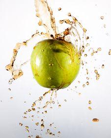 Free Splash Apple Royalty Free Stock Image - 20244576