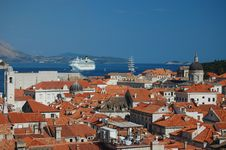 Free Rooftops, Ships And The Harbour Of Dubrovnik Stock Photography - 20246592
