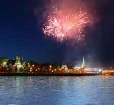 Free Fireworks Over The Moscow Kremlin Royalty Free Stock Photo - 20248645