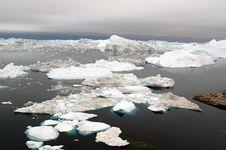 Free Floating Icebergs Stock Image - 20249021