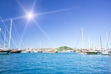 Free Amazing Yachts And Fun Sun In The Sky. Royalty Free Stock Photography - 20253587