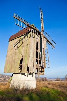 Free Wooden Old Windmill Stock Photography - 20253682