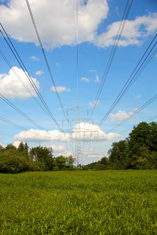 Free Pylon & Clouds Royalty Free Stock Photos - 20255718