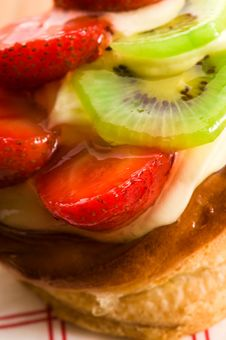 Free French Cake With Fresh Fruits Stock Photos - 20256023