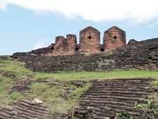Free Old Brick Fortress Royalty Free Stock Photo - 20256925