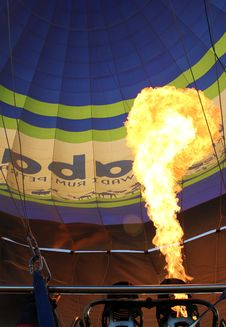 Free Hot Air Balloon With Bright Burning Gas Flame Royalty Free Stock Photography - 20259397