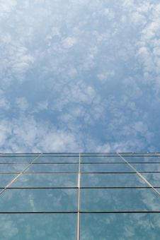 Free Building Reflection Stock Photography - 20259662