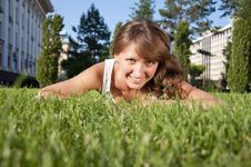 Free Beautiful Young Woman Smiling In A Field Stock Photography - 20267332