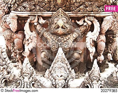 Free Garuda Statue Royalty Free Stock Photo - 20279385