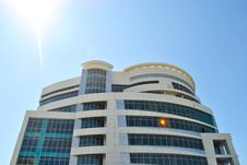Free Modern Building Against The Sunny Skies Stock Photography - 20273682
