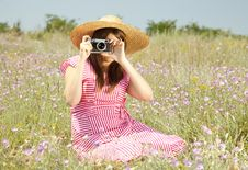 Free Retro Style Girl At Countryside With Camera Royalty Free Stock Images - 20276559