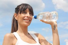 Free Healthy Woman Drinking Water After Exercising Stock Photo - 20280300