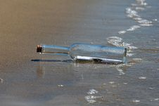 Free Message In A Bottle Royalty Free Stock Images - 20285189