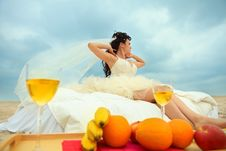 Free Bride In Bed At The Coastline Royalty Free Stock Photography - 20285477