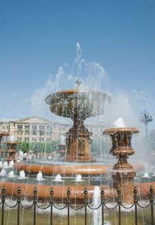 Free Fountain Royalty Free Stock Images - 20290139