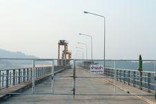 Free Sunrise At Khun Dan Prakarnchon Dam In Thailand Royalty Free Stock Photography - 20290767