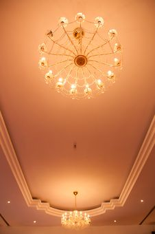 Free Chandelier Lights Royalty Free Stock Images - 20291589