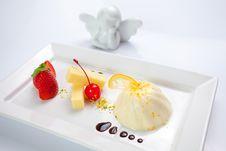 Free Cream Caramel Dessert Stock Images - 20292244
