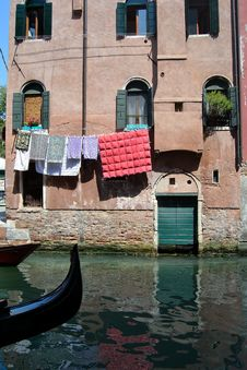 Free Typical Venetian Building Royalty Free Stock Image - 20293746