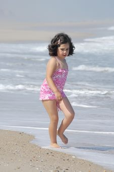 Free Little Girl On The Beach Stock Images - 20295204