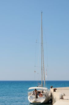 Free Sail Boat Anchored In A Port Royalty Free Stock Images - 20296569