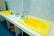 Free Baby Bathtub Stock Photography - 20298352