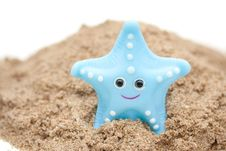 Free A Plastic Starfish On The Beach Royalty Free Stock Photo - 20298625