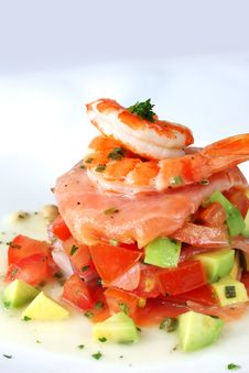 Free Prawns And Avocado On Salsa Royalty Free Stock Photography - 20298697
