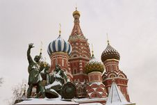 Free St. Basil Cathedral In Moscow Royalty Free Stock Photo - 2030475