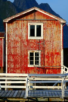 Free Red Wooden House Stock Image - 2032741